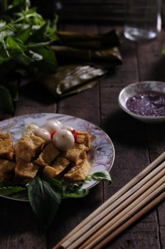 Dau-hu-chien-ca-phao-Vietnamese-ingredients-porfolio-egret-grass-food-stylist