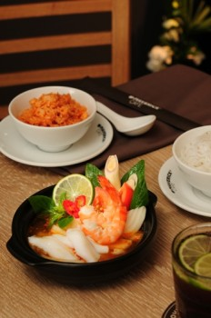 Tom-yum-goong-maverick-cafe-porfolio-egret-grass-food-stylist
