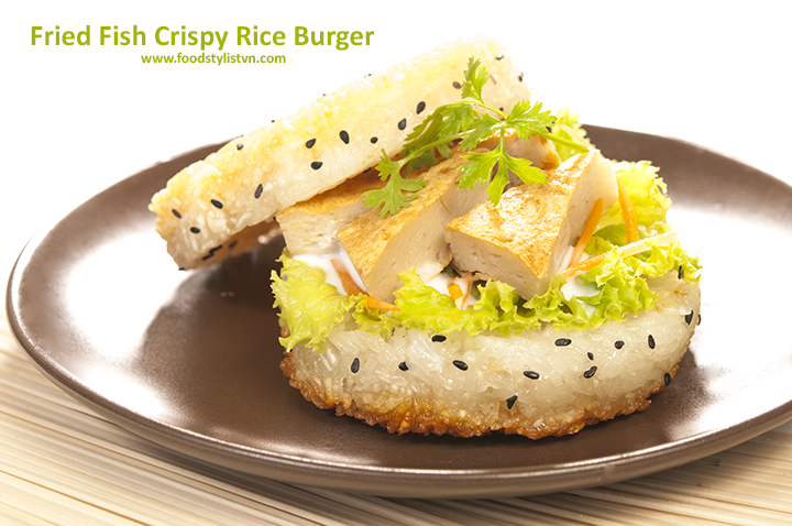 fried-fish-crispy-rice-burger-egret-grass-food-stylist-web