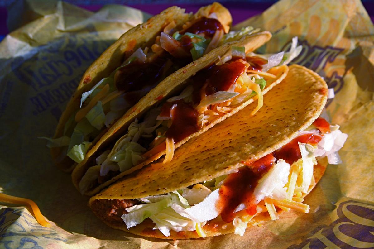 Taco-Bell-Nacho-Cheese-Doritos-Locos-Tacos-real