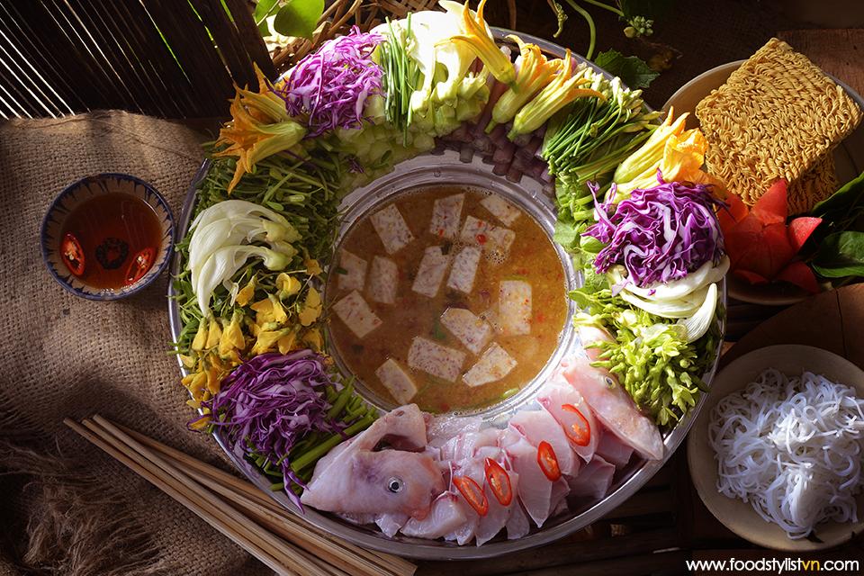Lẩu hoa đồng nội Client: Phương Nam Book Photograph by: Rong Vang (Nguyen Thu Tinh) Food & Prop Stylist: Tiến Nguyên