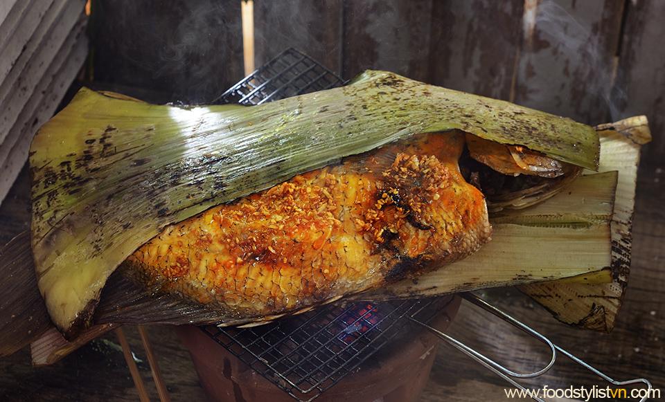 Cá nướng bẹ chuối Client: Phương Nam Book Photograph by: Rong Vang (Nguyen Thu Tinh) Food & Prop Stylist: Tiến Nguyên