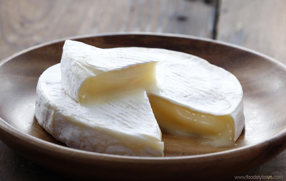Camembert Cheese Photograph by: Lê Thanh Tùng at Spotlight Studio Food stylist: Bùi Lý Tiến Nguyên