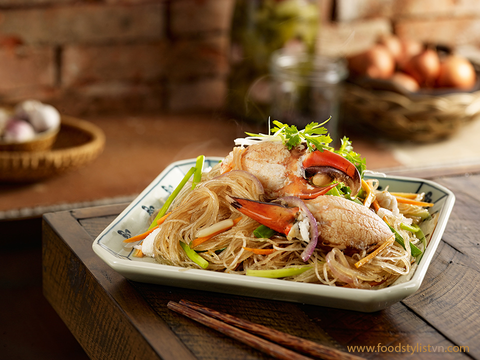 Miến xào cua Client: Phương Nam Book Photograph by: Wing Chan at BITE Studio Food Stylist: Nguyên Bùi