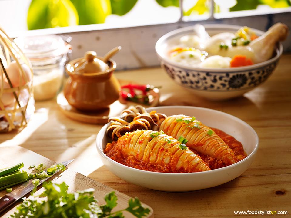 Mực nhồi Photograph by: Wing Chan at BITE Studio Food Stylist: Bùi Lý Tiến Nguyên