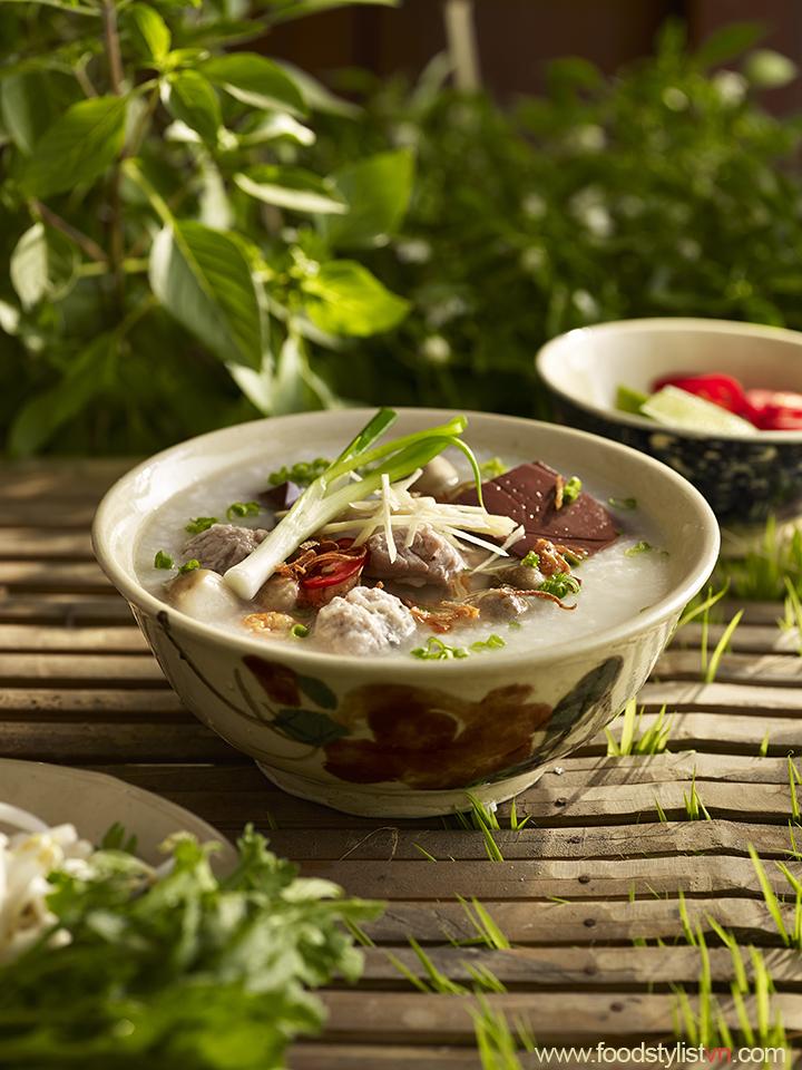 Cháo mọc     Client: Phương Nam Book  Photograph by: Wing Chan at BITE Studio  Food & Prop Stylist: Tiến Nguyên
