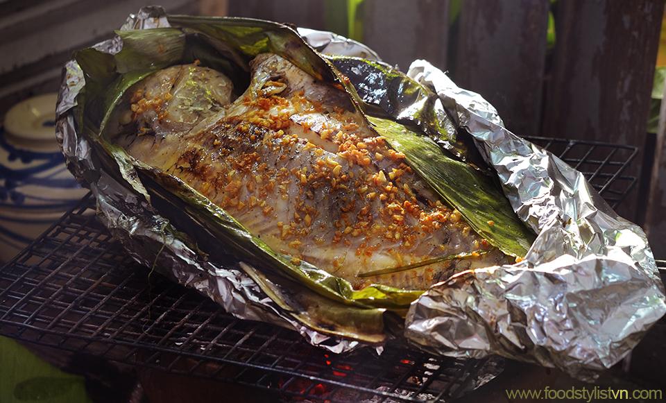 Cá nướng lá nghệ  Client: Phương Nam Book Photograph by: Rong Vang (Nguyen Thu Tinh) Food & Prop Stylist: Tiến Nguyên